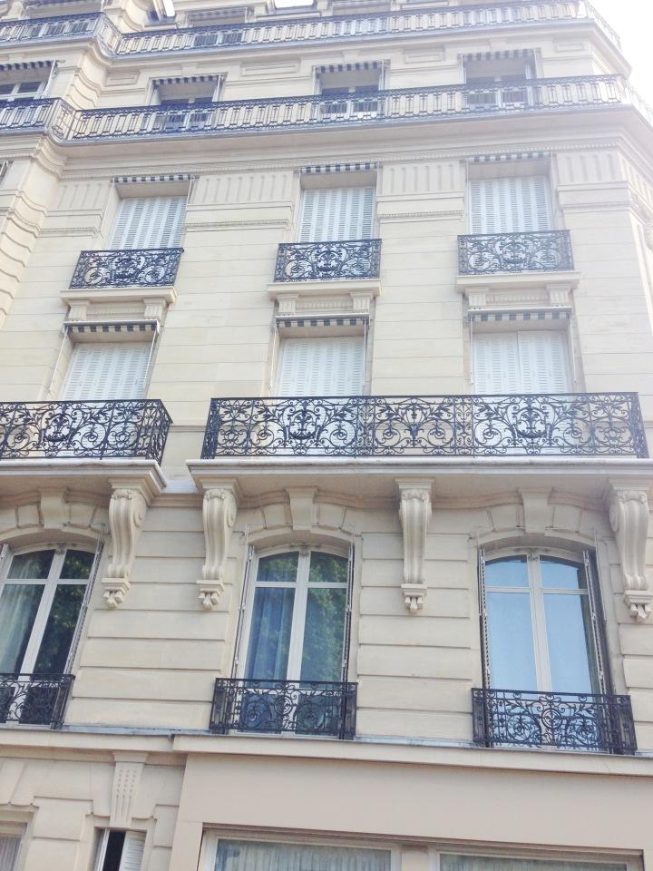ParisBuildingPARIS
