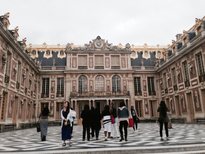 VersaillesCourtyardpic