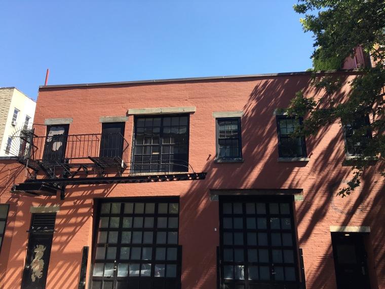 BuildingNYC.jpg